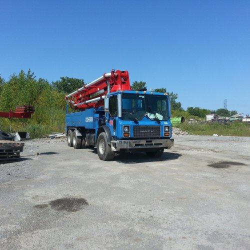 KVM32XL Concrete Pump-Truck